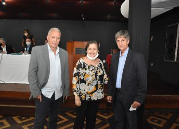Luiz Paredes toma posse no Club Municipal